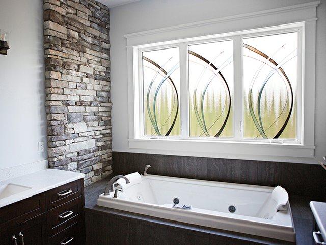 Endure Casement Windows - Bathroom - Versa Inspirations Glass.jpg