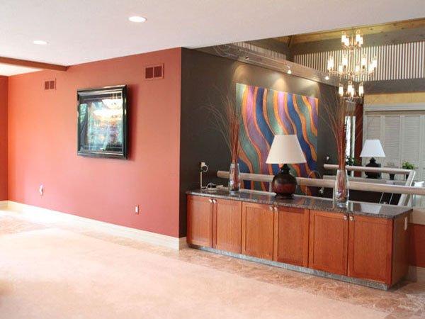 4 entrance to livingroom.jpg