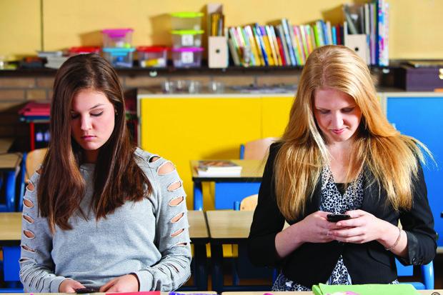 Texting girls