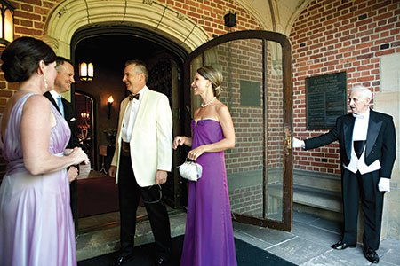 Photo-2---L-to-R-Chris-and-Rich-Kramer-Steve-and-Holly-Wilt-and-John-Wilkinson-at-the-door.jpg