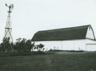 Barn and windmill (1966 photo).jpg