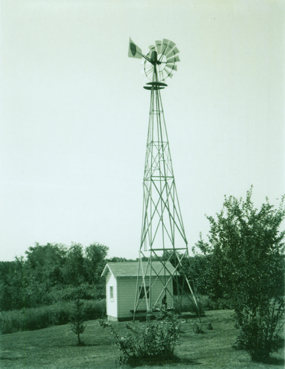 Windmill (1966 photo).jpg