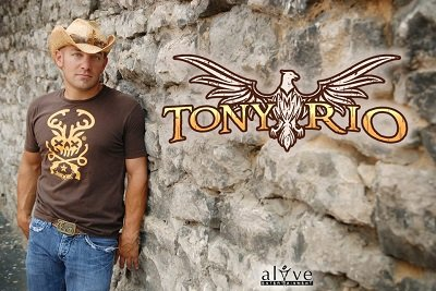 Summer concert in the park: tony rio & relentless