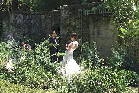 Stan Hywet_Wedding First Look in the English Garden.jpg