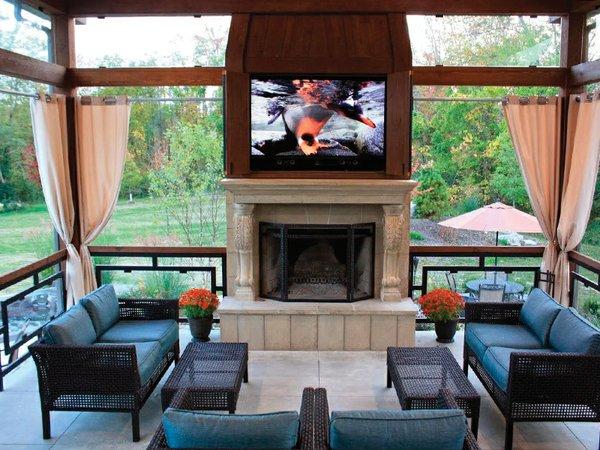 pavilion inside with tv.jpg