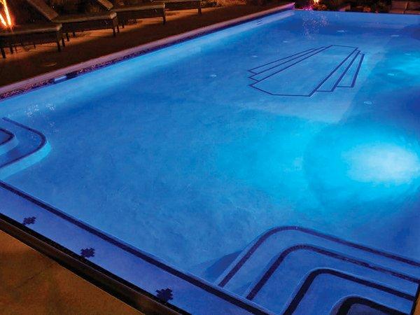 pool nighttime 02.jpg