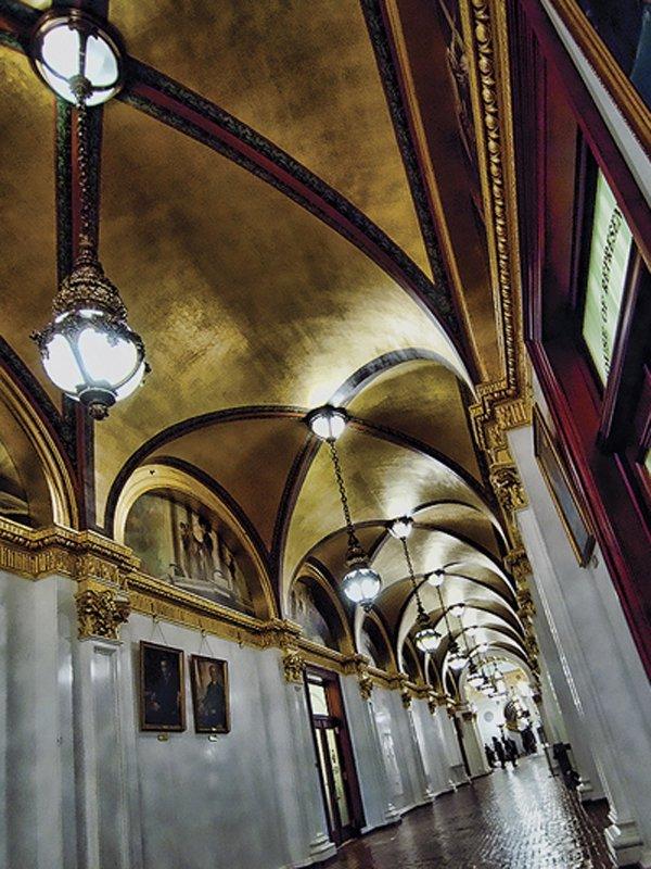 Capitol Hallway_Credit Hershey Harrisburg Visitors Bureau.jpg