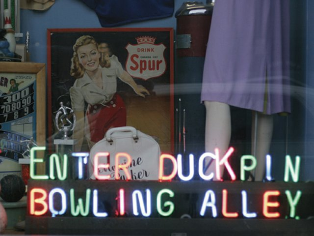 Duckin Bowling 3.jpg