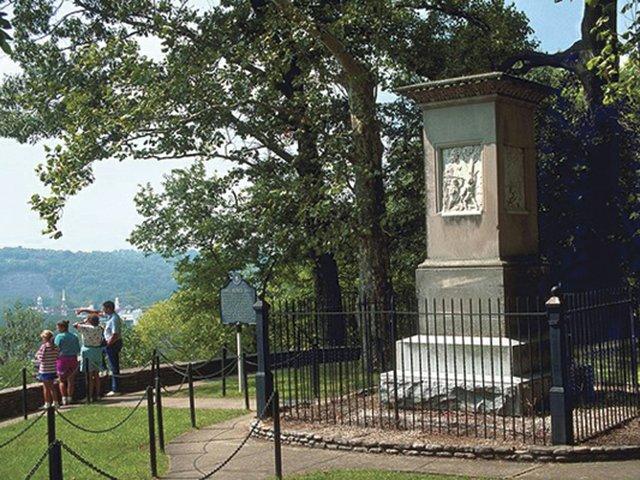 FrankfortDaniel Boone's Grave.jpg