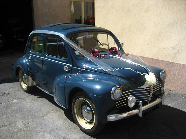 renault-4cv-1950-9[1].jpg