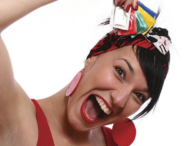 rubber girl 16578965.jpg