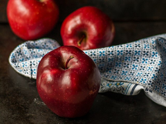 apples by roberta-sorge.jpg
