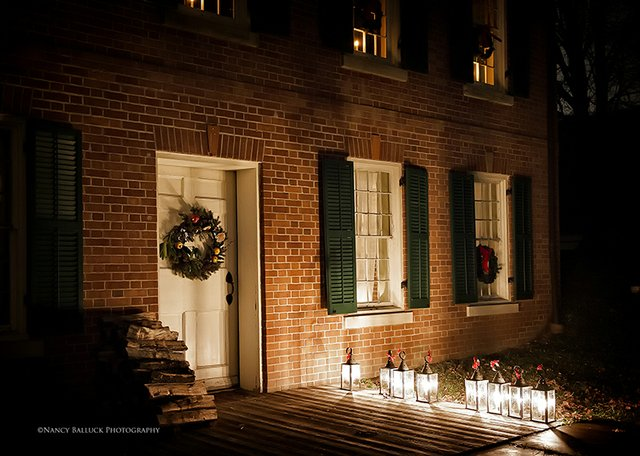12-2 to 12-23 Holiday Lantern Tours.jpg