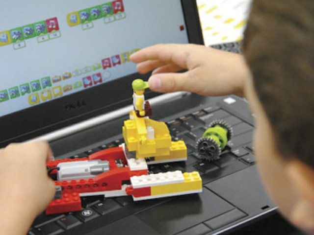 Hero Image - Jr LEGO Robotics - Equipment.jpg