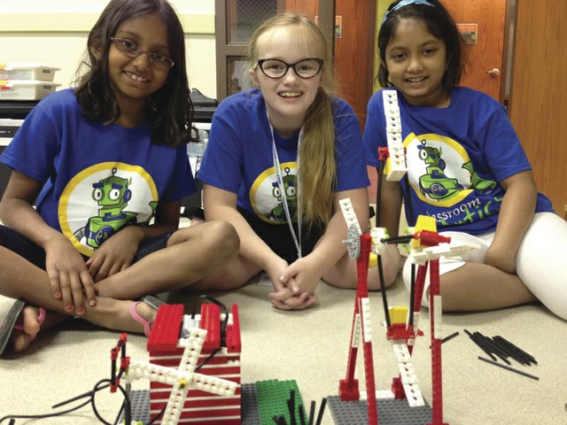 Hero Image - Jr LEGO Robotics - Girls.jpg