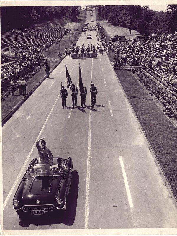 derby_parade.jpg