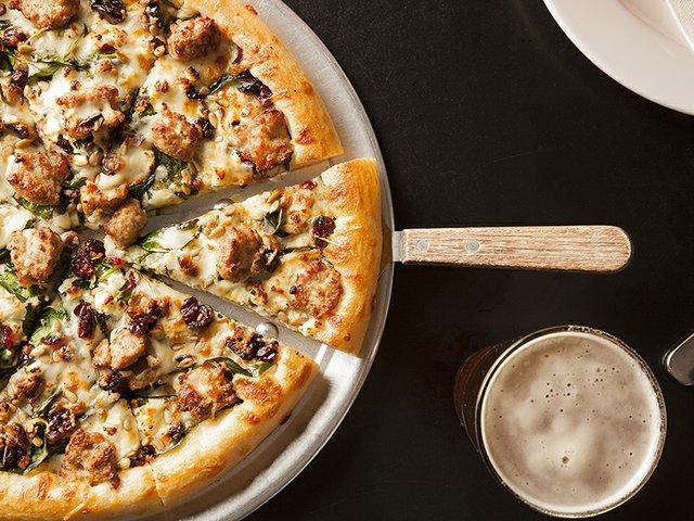 samoskys_homestyle_pizza-8.jpg