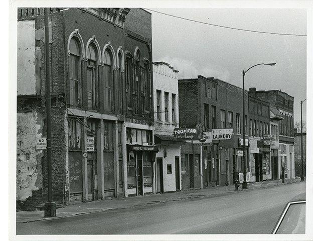 Howard St Tropicana ca 1950s.jpg